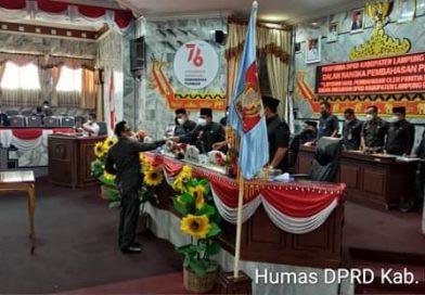 Ketua DPRD Lampura Romli A.Md., Pimpin Rapat Paripurna Tentang Pengesahan KUA-PPAS Perubahan